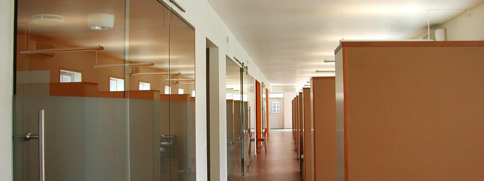 award_winning_office_low_energy_high-performance_Open_interior_low_cost